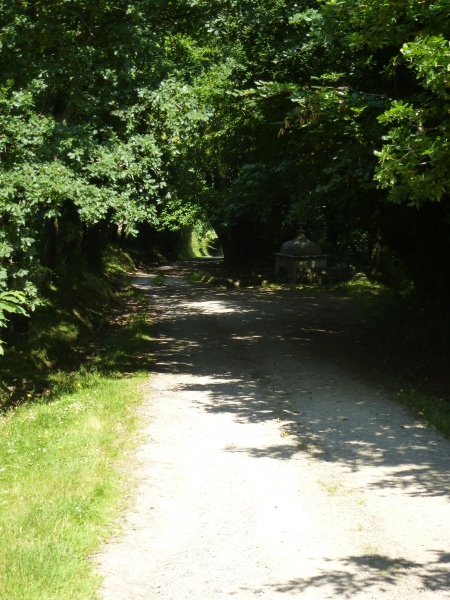 The path into the Valley of Saint Clair