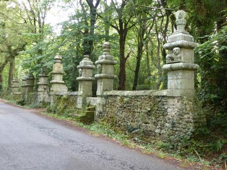 The impressive gateway to the Château de La Coudraie