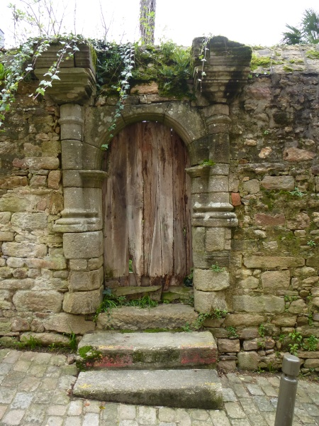 A magical doorway, Vannes
