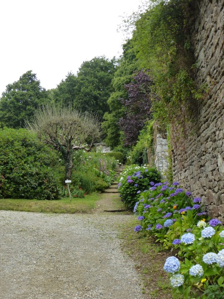 The colourful gardens of Quinipily, Brittany