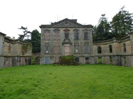 The sad but picturesque ruins of Mavisbank House